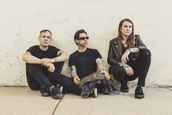 Laura Jane Grace and the Devouring Mothers with Mercy Union, Control Top